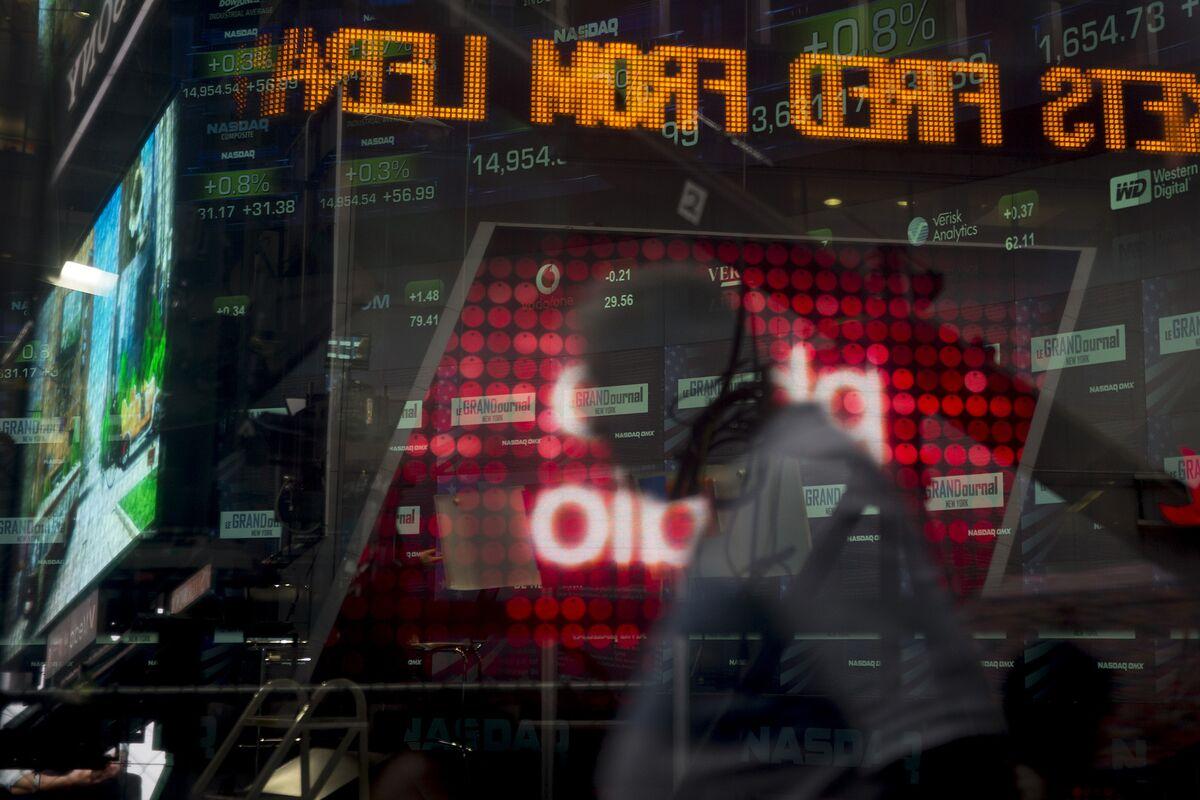 Nasdaq Stocks Show Wild Swings; Exchange Cites Third Parties – Bloomberg