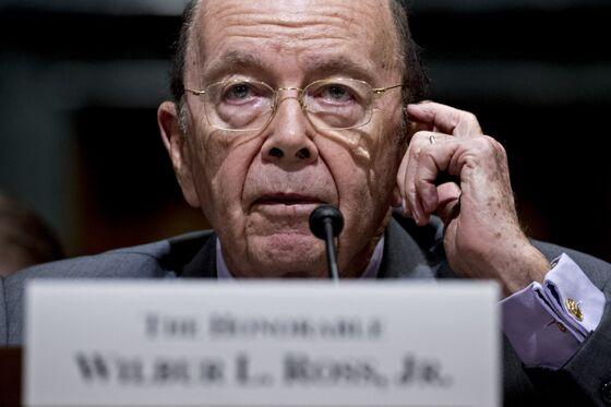 Ross Shrugs Off Powell's Warning on Trade as China Tariffs Loom