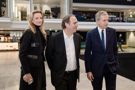 Xavier Niel Was a French Tech Darling. Now His Customers Are Leaving.