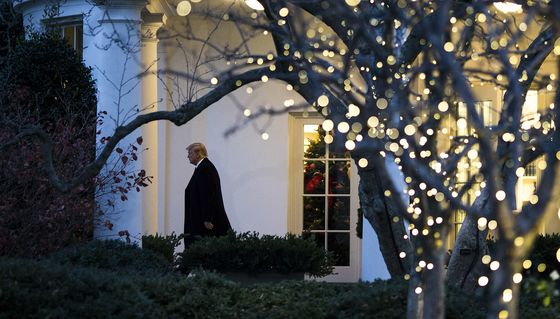 Little New Year's Cheer for Troubled White House