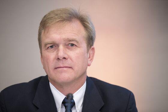 Steinhoff's Du Preez Swaps Backroom Deals for CEO Role
