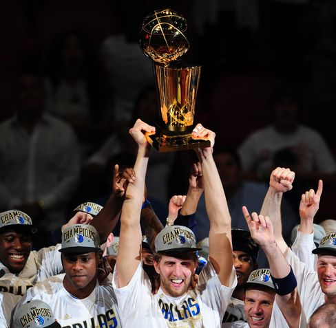Mavericks, Nowitzki Claim First NBA Title, Deny Heat, James