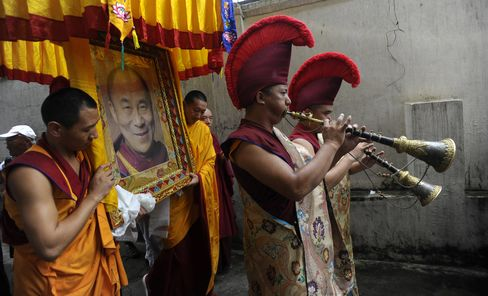 Tibet Monks Wounded in China Police Shooting, Rights Group Says