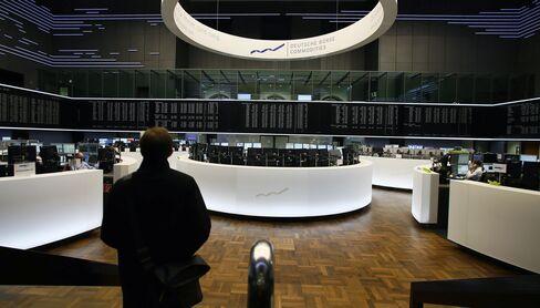 European Stocks Drop With Australian Dollar as Copper Rebounds