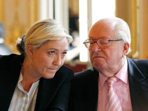 Marine Le Pen and jean-Marie Le Pen.