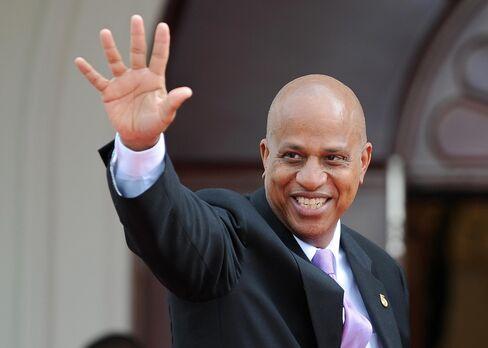 Belize Seeks to Avoid Default on Superbonds Through Talks