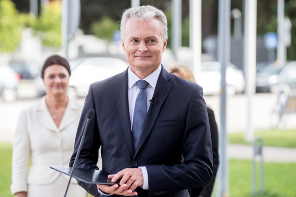 Former Banker Wins by Landslide in Lithuania's Presidential Vote