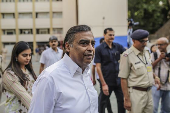 BillionaireAmbaniSends Oxygen From His Refinerieesto Aid India'sCovid Fight