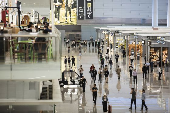China's Guangzhou Ousts Atlanta as Top Airport in Pandemic Year