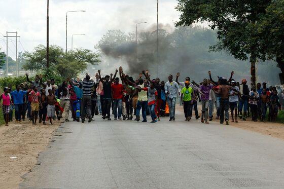 Zimbabwe Lawyers Challenge Internet Shutdown in Court
