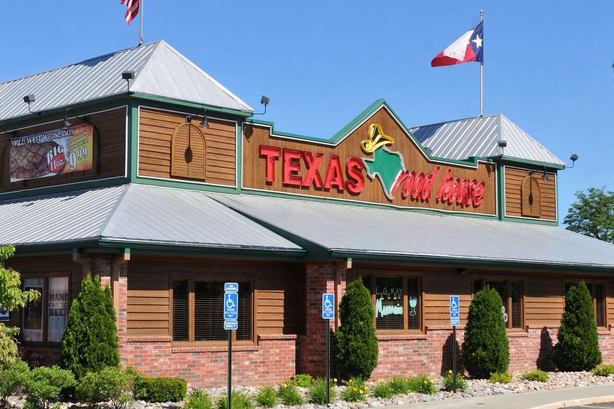 texas roadhouse essay Restaurant: texas roadhouse address: 550 blanding boulevard orange park, fl 32073 phone number: (904) 213-1000.