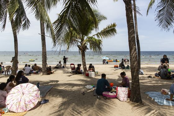 Thailand Aims to Turn Away From Mass Tourism andTarget the Wealthy