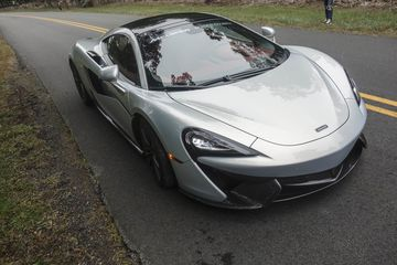 cars-mclaren-570-gt-review-bloomberg-11