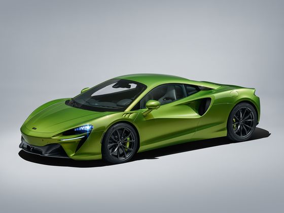 McLaren's $258,000 Hybrid Boasts Blazing Speed Without the Guilt