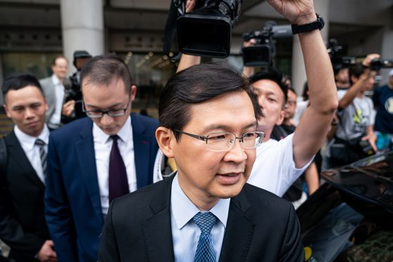 Hong Kong Corruption Police Files Fraud Charges Against Cho
