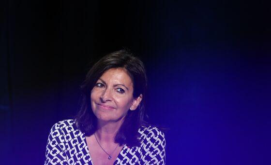 Paris Mayor Hidalgo Joins Crowded Race to Replace Macron
