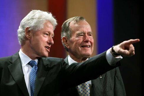 Clinton and Elder Bush Are America's Favorite Living Ex-Presidents
