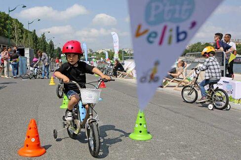 Paris Launches a Bike-Share Program for Kids