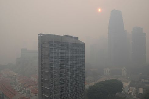 As Singapore Chokes on Indonesian Smog, the Losses Pile Up