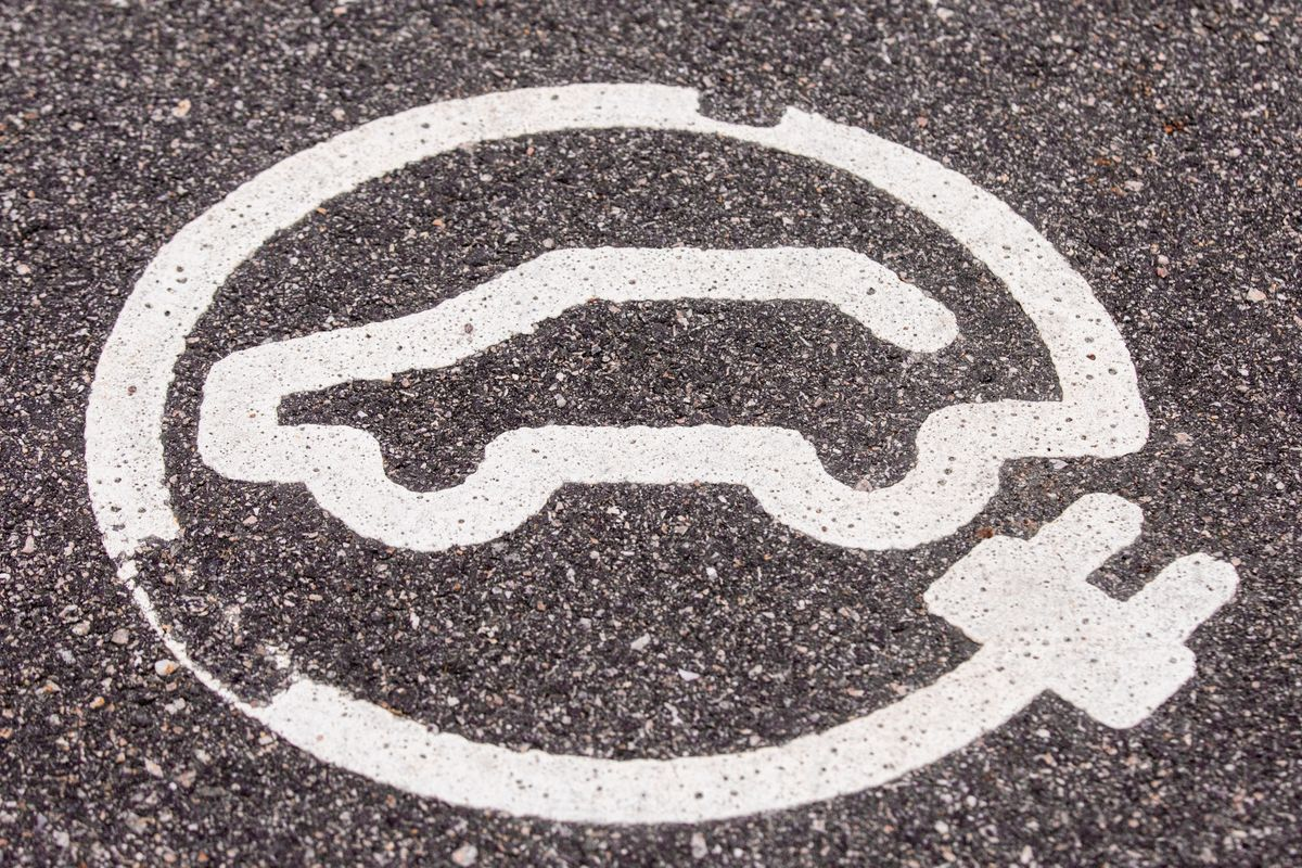 Electric Carmakers Are in a Stock Market Bubble