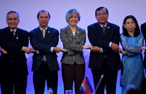 マニラでのASEAN外相会議(6日)