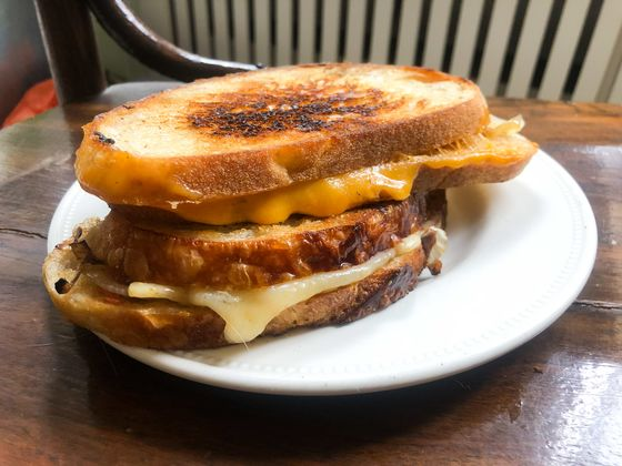 A Chef Has Recreated Chandler's Grilled Cheese inFriends—And It's Great
