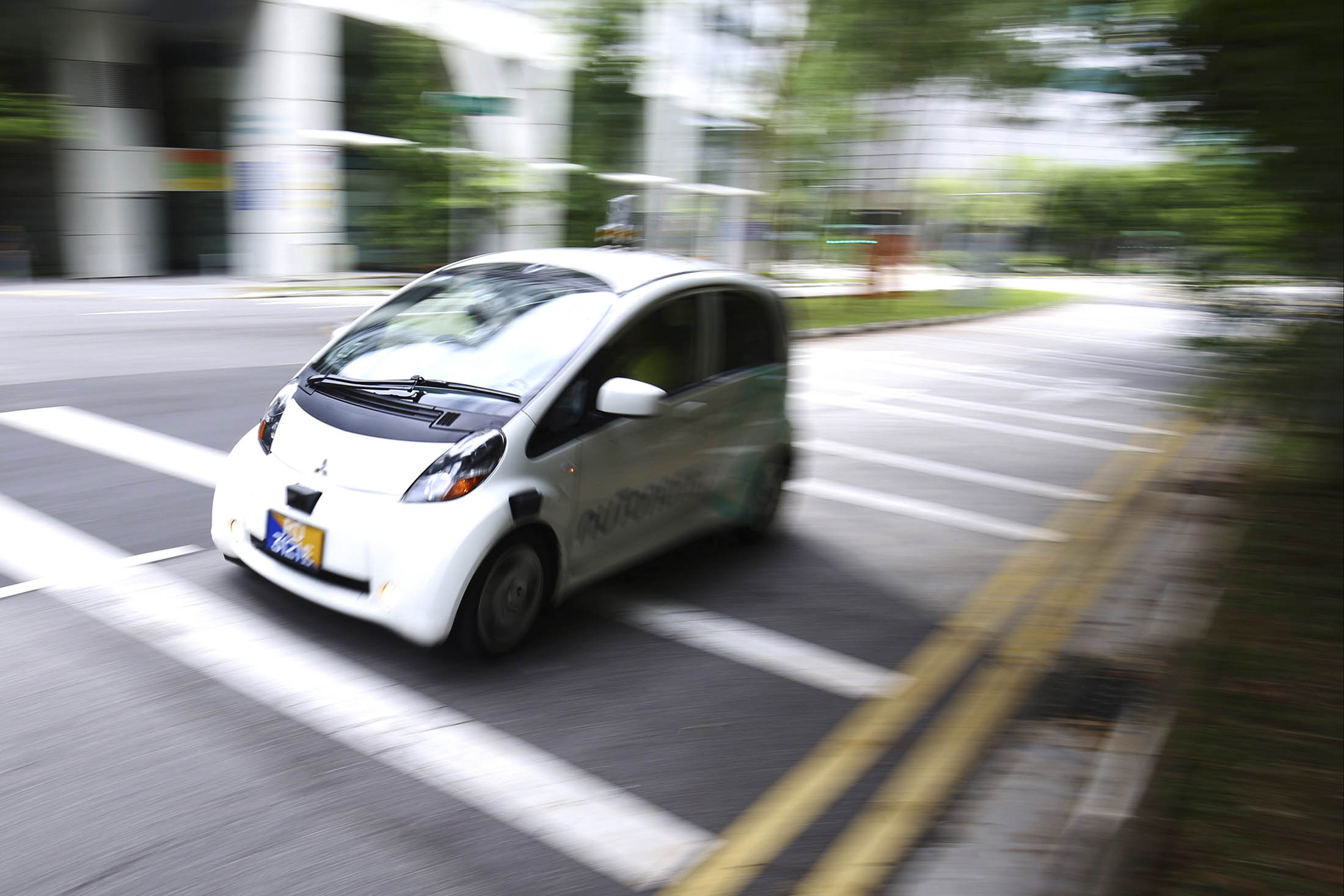 Super-Cheap Driverless Cabs to Kick Mass Transit to the Curb
