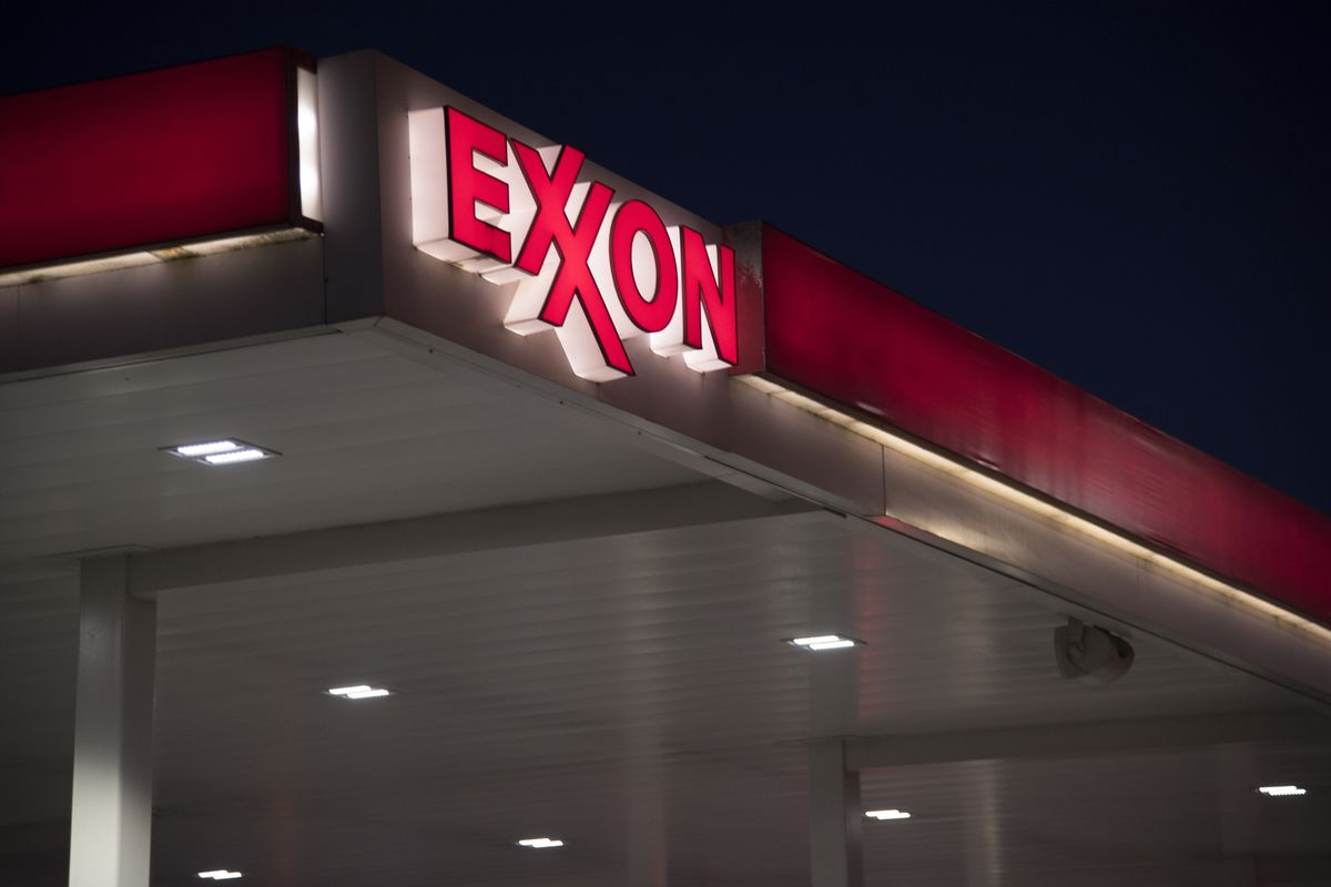Exxon Adds Chemical Boss Chapman to All-Poweful Inner Sanctum
