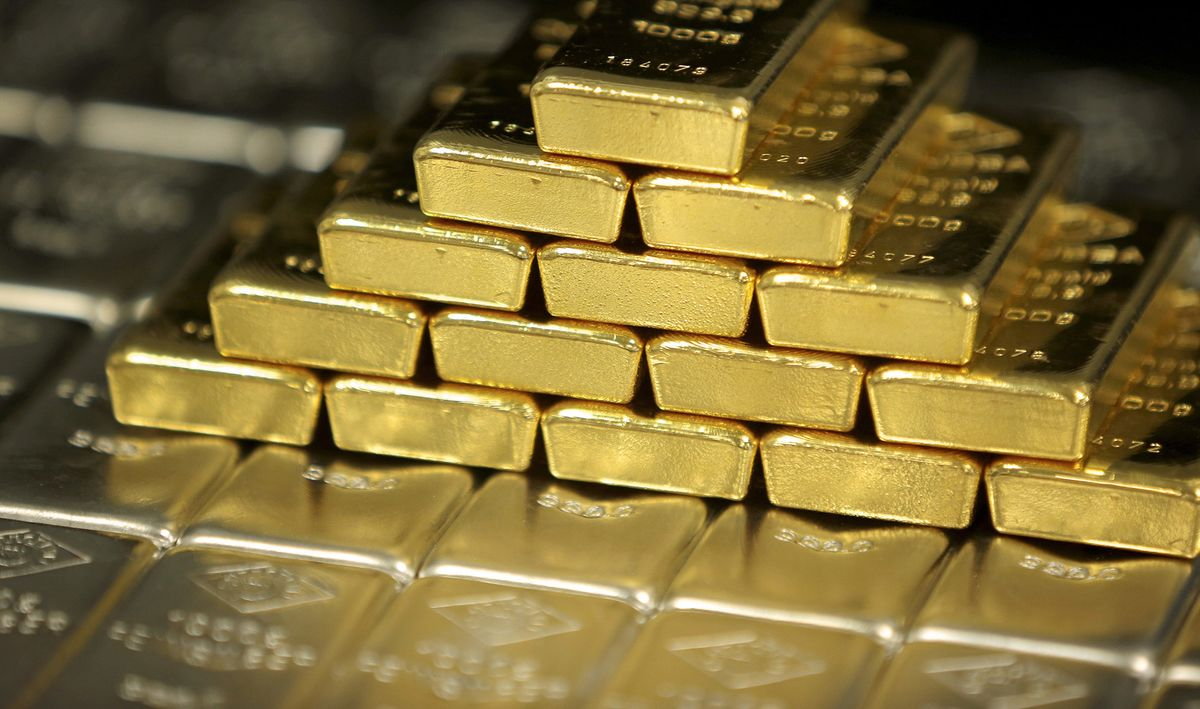 IShares Gold Fuels Big ETF Run as Mom-and-Pop Buyers Pile In