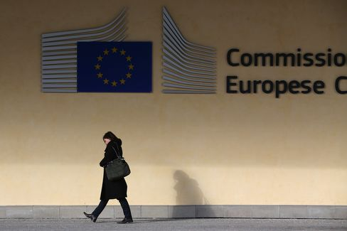 Euro Ministers Seek to Regain Momentum as Crisis Unrest Returns