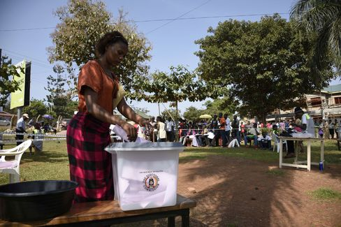 People cast their vote at the Nasuti polling station