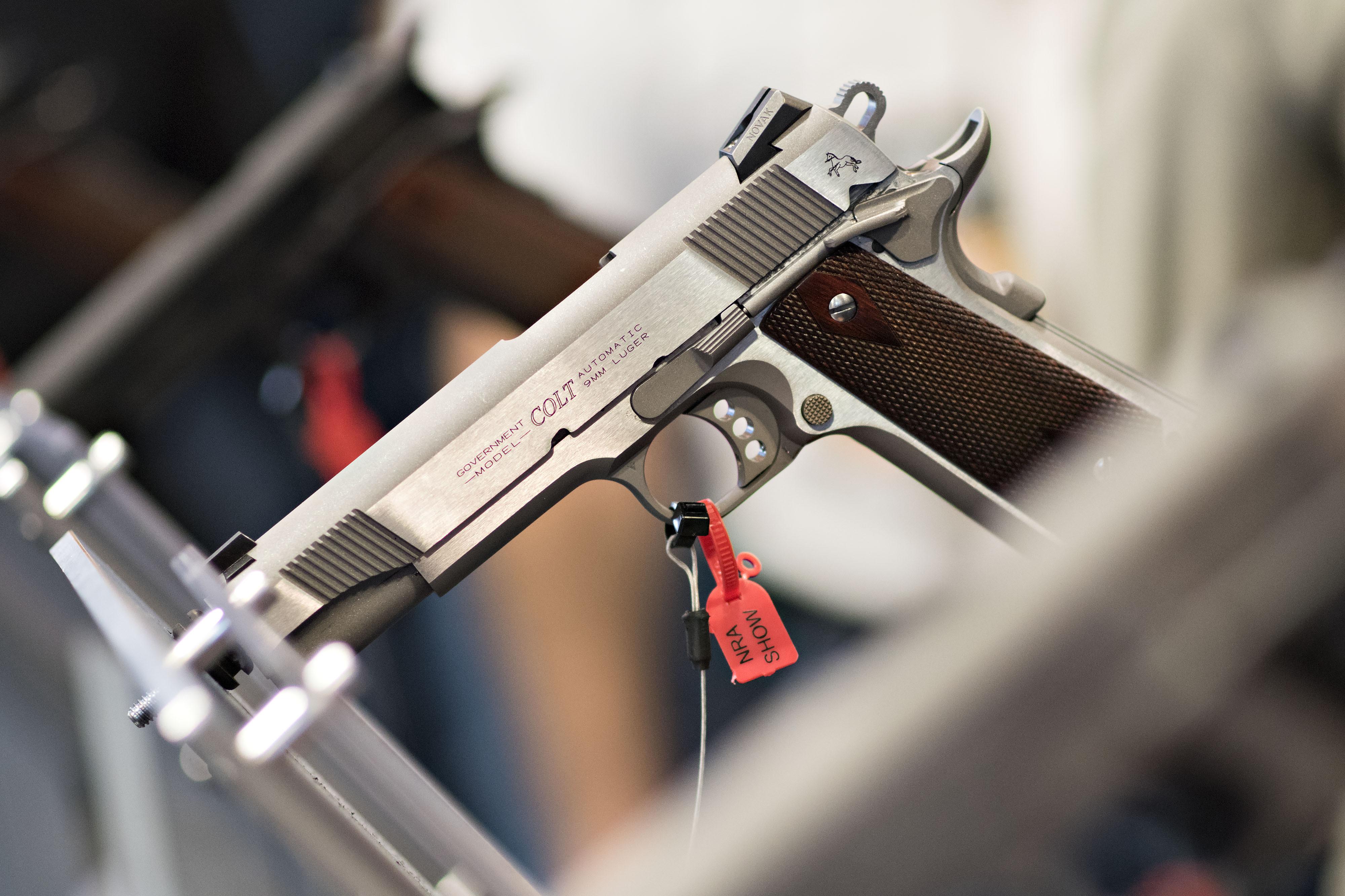 Reddit Wades Into the Gun Control Debate - Bloomberg