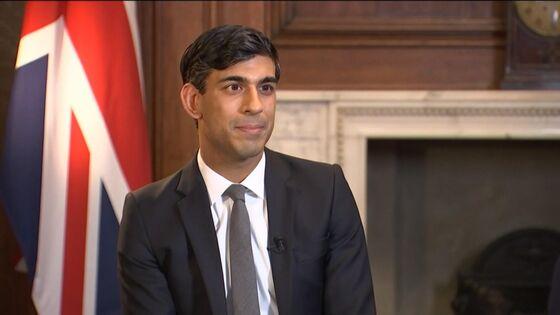 Sunak Plans U.K. Green Bonds in Financial Services Overhaul
