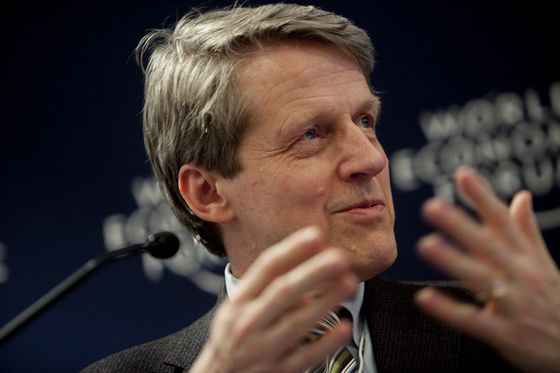 Robert Shiller Says Trump-Infused Stocks Vulnerable to 'Fear and Chaos'