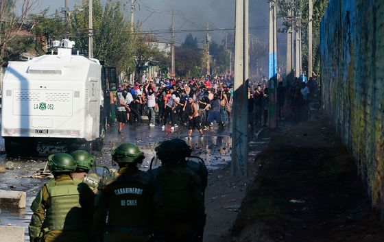 Protests Over Food Shortages Erupt in Chile Amid Virus Lockdown