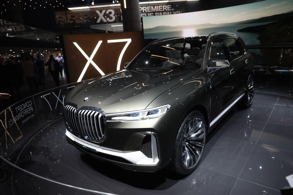 BMW's Behemoth SUV Helps Extend U S  Sales Lead Over