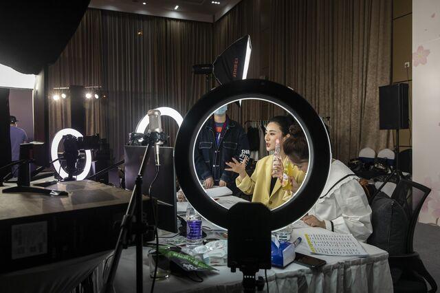Viya recording in Wuhan on April 30, 2020.