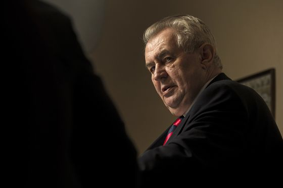 Czech President Agrees to Meet Opposition Leader After Ballot