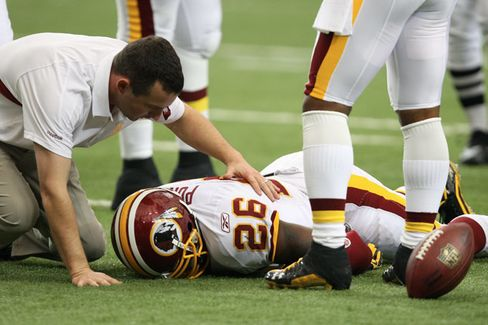 Multibillion-Dollar NFL Concussion Lawsuit Goes to Mediation