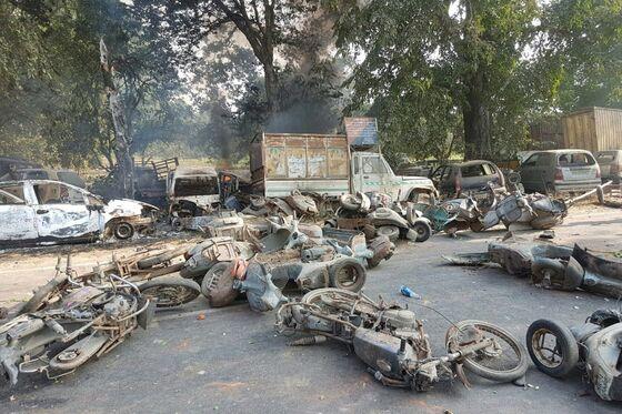 Indian Cop Killed by 'Cow Vigilantes'as Hindu Nationalists Riot
