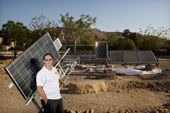 Amid Trump's Solar Scorn, U.S. Backs $1 Billion Africa Deal