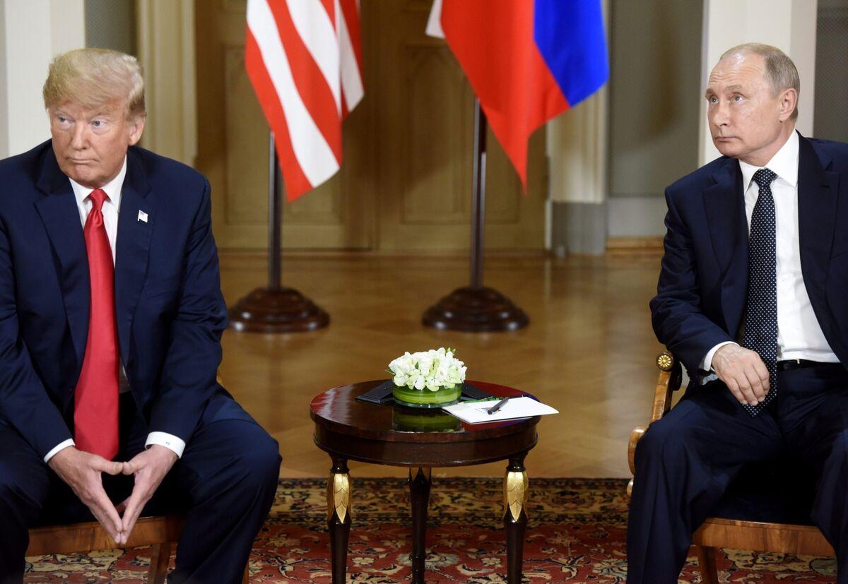 Trump and Putin Are All Talk on Oil Price Plunge