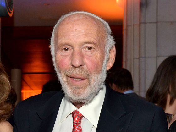Quant Pioneer Jim Simons Steps Down After 40 Years at the Top