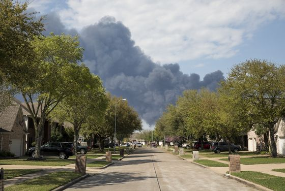Houston Chemical Disaster Zone Remains No-Go Two Weeks After Blaze