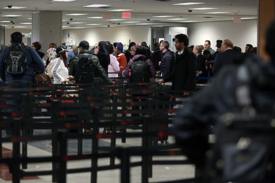 Security Waits Top an Hour at Atlanta Airport Amid Shutdown
