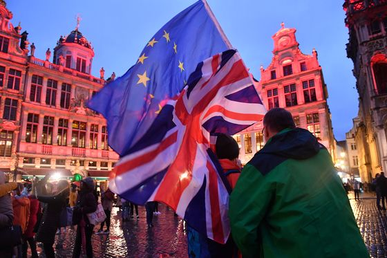 No Longer European, a Divided Britain Seeks a New Identity