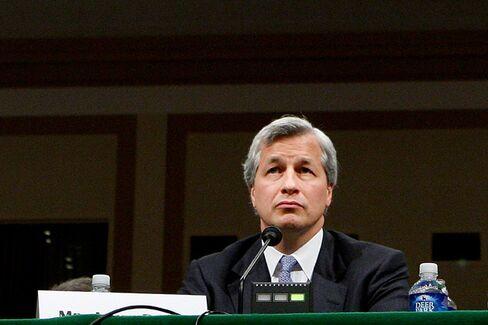 Trading Loss Haunts Dimon at JPMorgan Chase's Annual Meeting