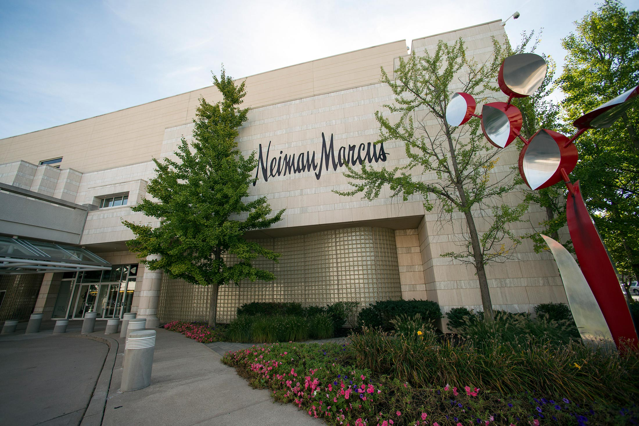 Neiman Marcus Scraps IPO, Withdrawing August 2015 Filing