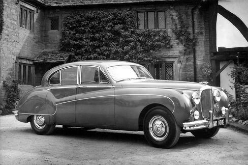 The Jaguar MK IX