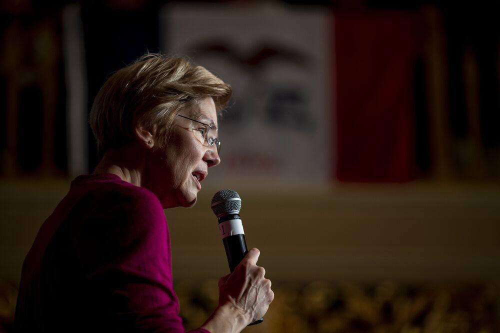 Warren Presses Mnuchin Over Christmas Eve Call With Regulators